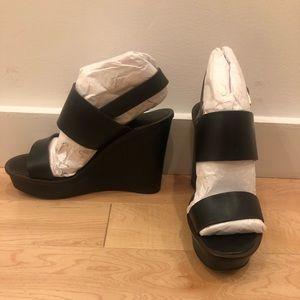 Tory Burch Shoes - Tory Burch black platform heels size 6.5